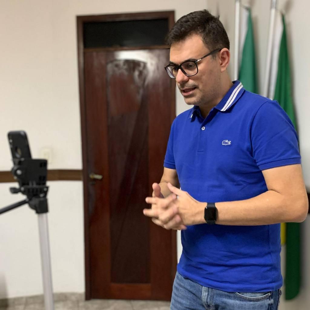 Professor Ítalo Siqueira