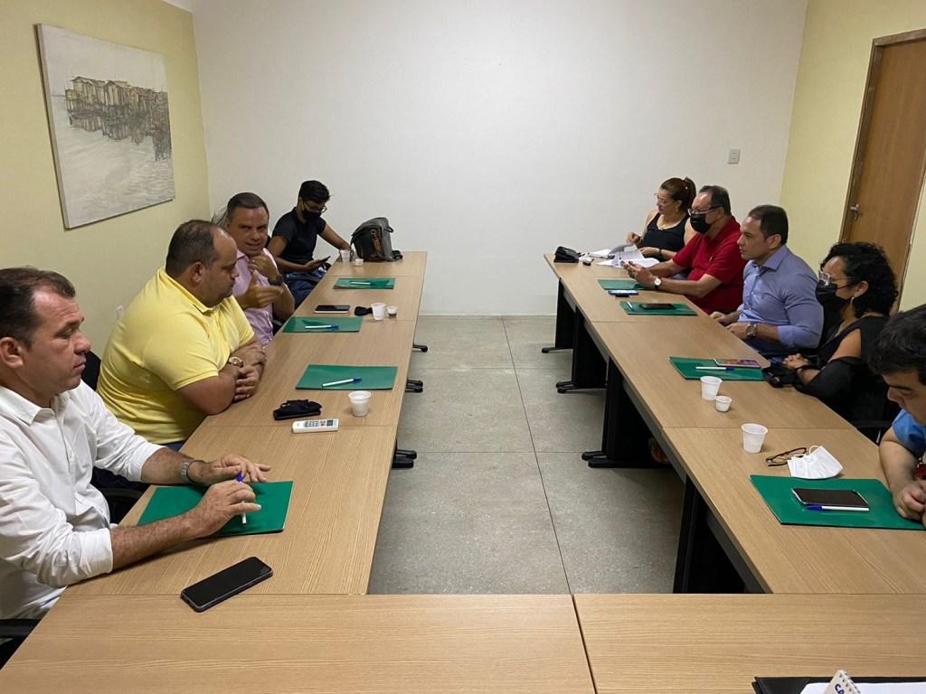 Comissão de Estudos sobre o Plano Diretor realiza primeira reunião de trabalho e define dirigentes; Aldo Clemente é eleito presidente