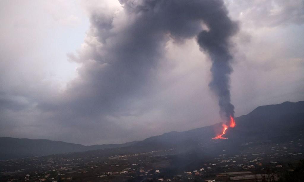 La Palma: vulcão já emitiu 250 mil toneladas de dióxido de enxofre