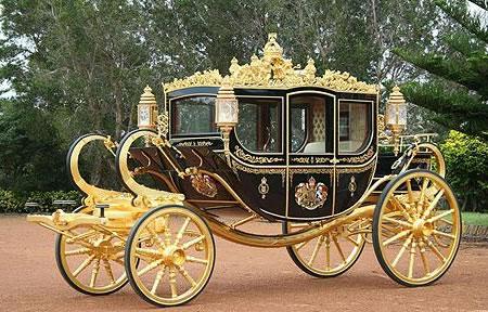 australia-state-coach-queen-2009