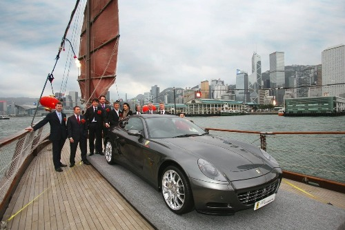 1000_ferrari_delivered_in_hong_kong_2009-11