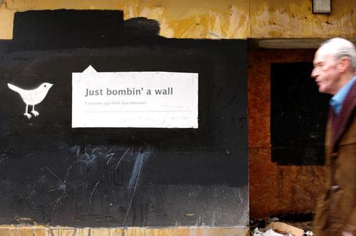 twitter-street-art-questionmarc-2009-1