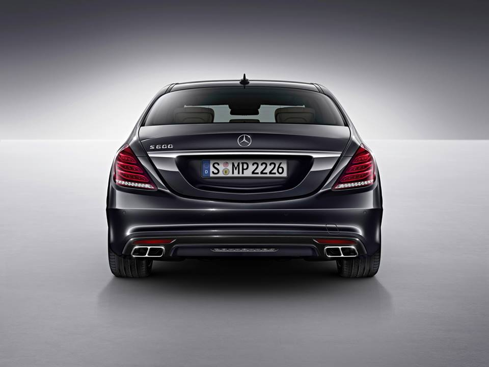 https://i0.wp.com/porhomme.com/wp-content/uploads/2014/01/2015-mercedes-benz-s600-v12-sedan-5.jpg
