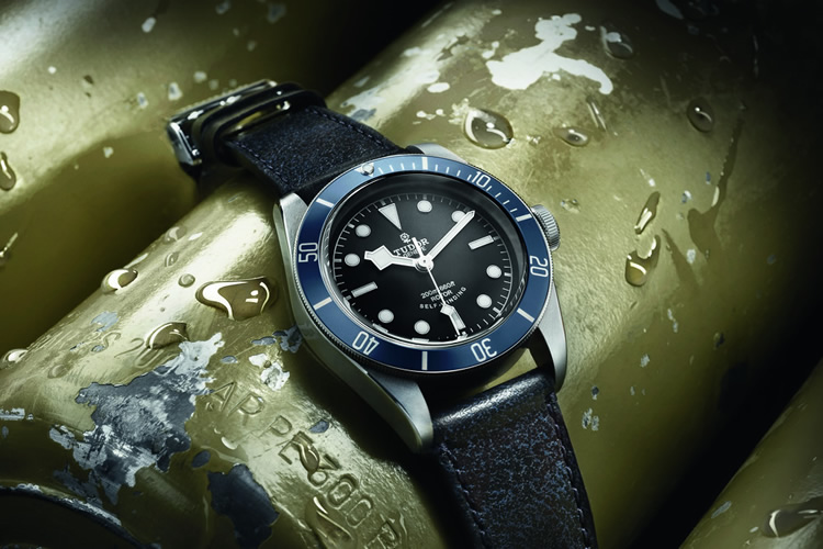 tudor-heritage-black-bay-midnight-blue-baselworld-2014-1-750x500