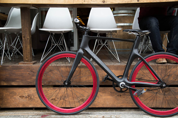 vanhawks-valour-worlds-first-connected-bike-carbon-fiber-2