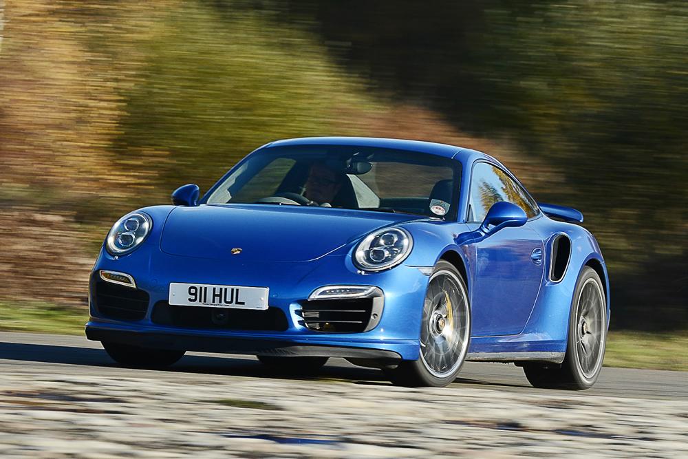 2015 Porsche 911 Turbo S Vs Formula 4 Racecar Por Homme
