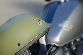 bell-rogue-helmet-yamaha-bolt-r-spec-closer-look-2014-3