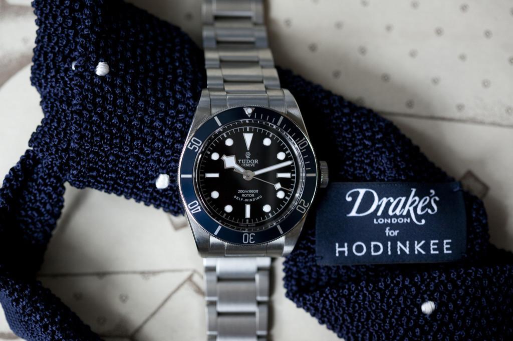 drakes-hodinkee-navy-silk-knit-tie-2014-1
