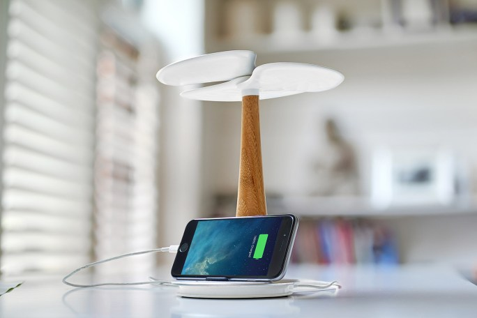 Ginkgo Solar Tree Charger 8