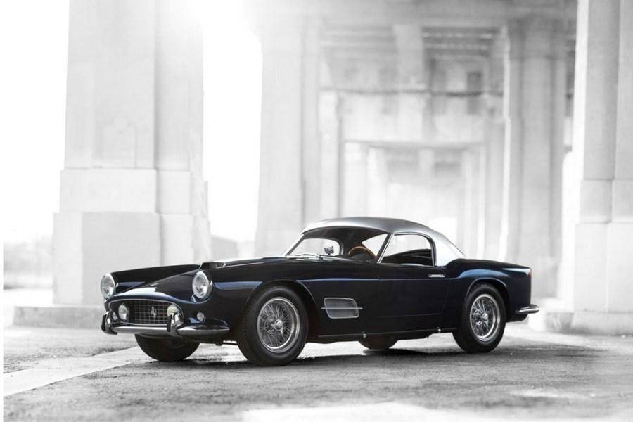 Rare-Ferrari-California-Spider-for-Auction-Lead