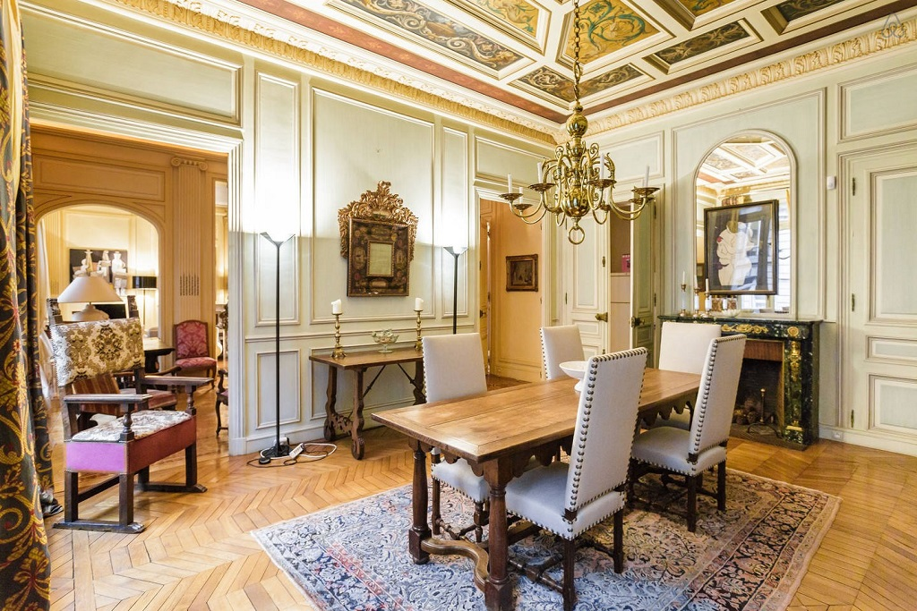 This Villa in Parc Monceau Has The Perfect Dose of Parisian Elegance