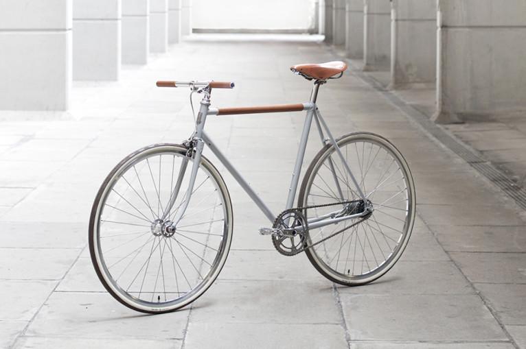 Instrmnnt-x-Freddie-Grubb-Collaborate-on-Utilitarian-New-Bike-Lead