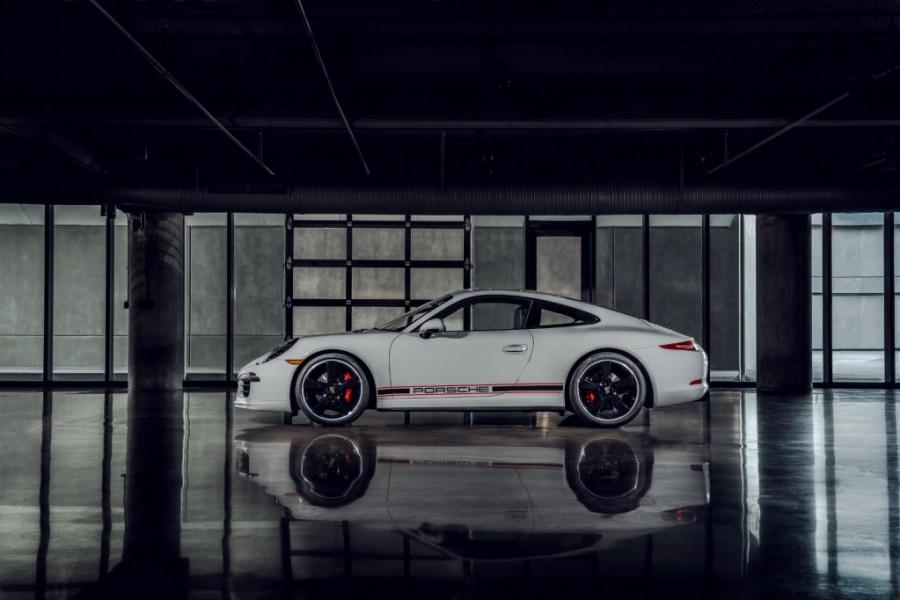 The-Porsche-911-GTS-Rennsport-Reunion-Edition-02