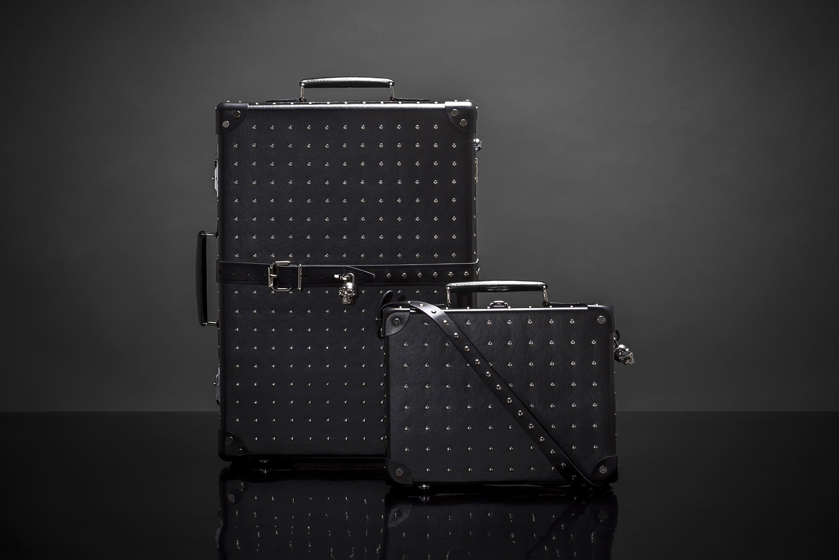 alexander-mcqueen-globe-trotter-luggage-skulls-studs-ss16-1