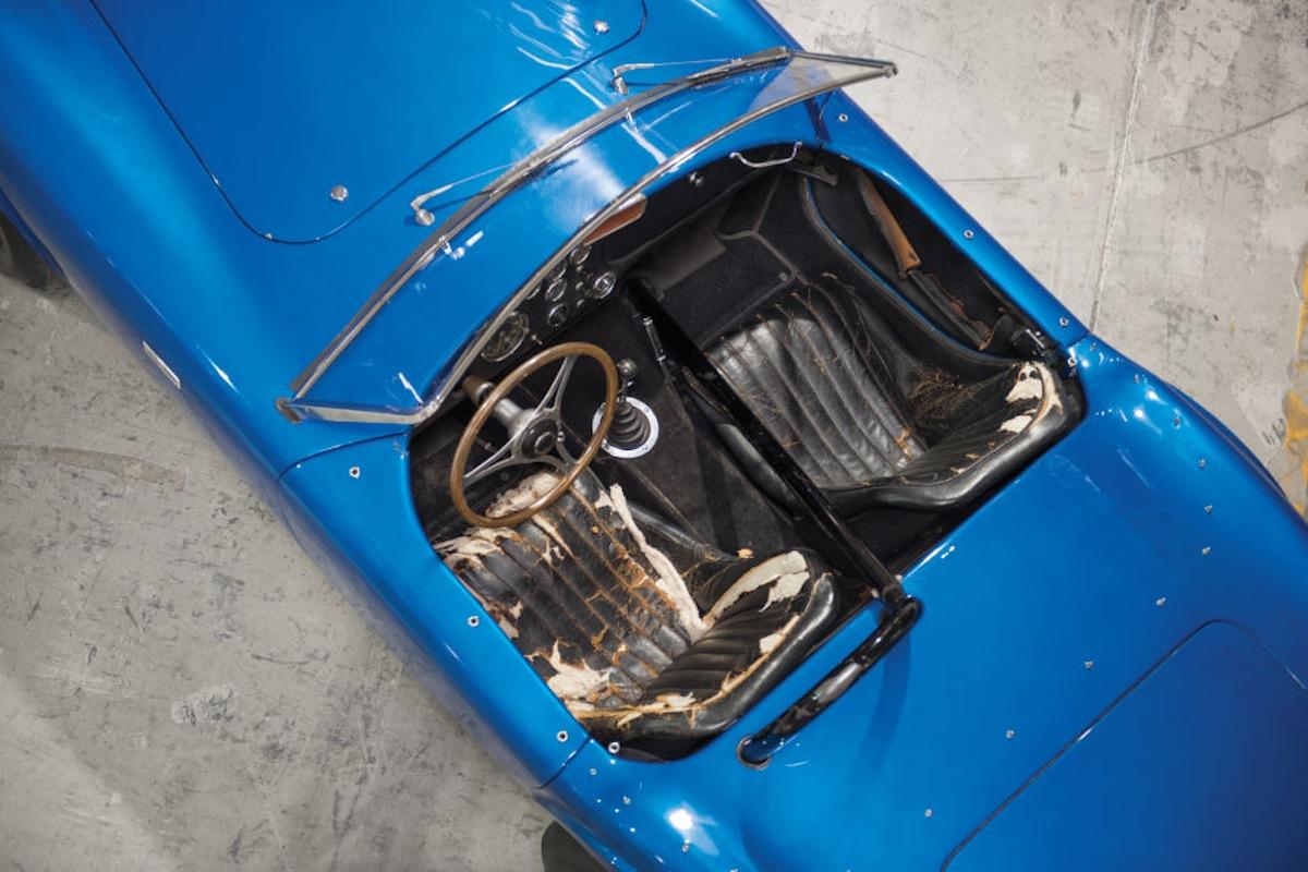 Shelby Cobra 9