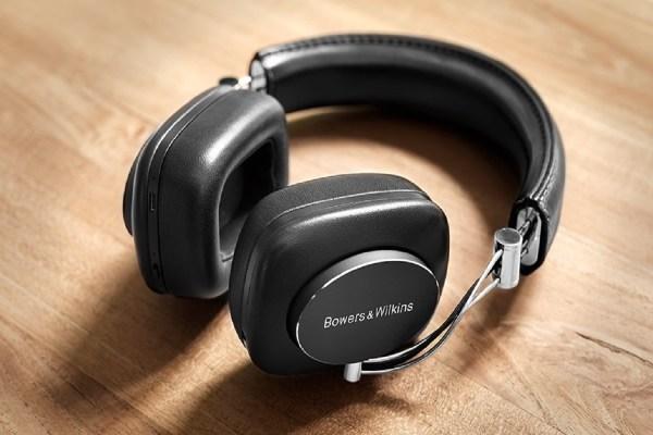 Bowers-Wilkins-P7-Wireless-Headphones-1