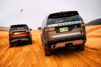 land-rover-discovery-2018-amangiri-global-12