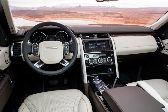 land-rover-discovery-2018-amangiri-global-18