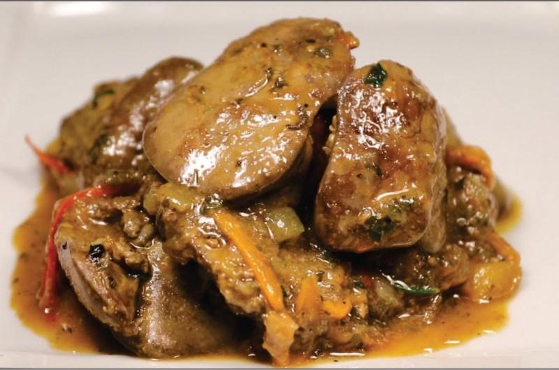 Fígado de galinha ensopado