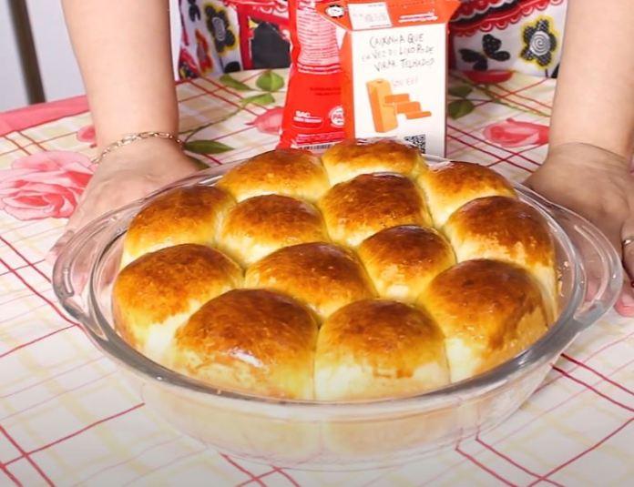 pão doce assado
