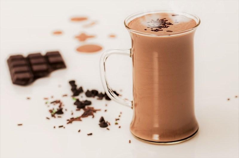 Chocolate quente cremoso de Nescau