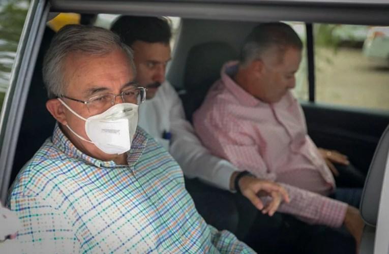 Acude Rubén Rocha Moya a recibir al presidente AMLO en aeropuerto de Culiacán