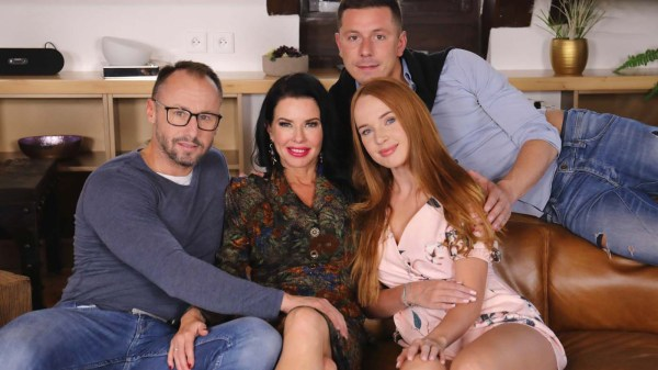 [VirtualTaboo] Our Family Rules: First Cum, First Served - Kaisa Nord & Veronica Avluv (Smartphone) [960p 60FPS]