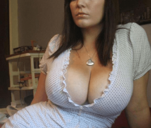 Hot Chubby Girl With Huge Tits In Dress