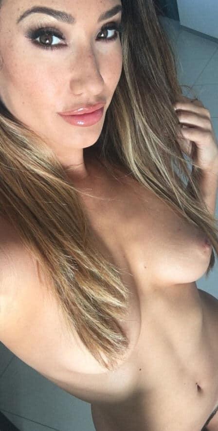 eva lovia snapchat selfie showing tits