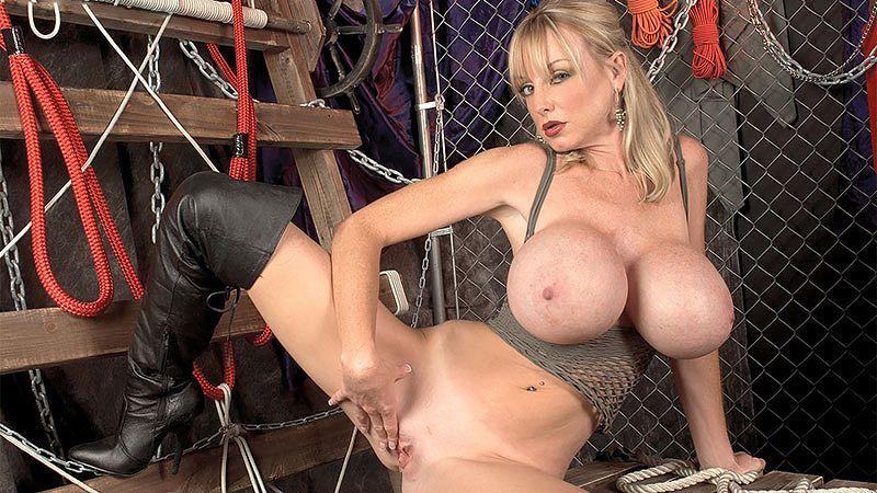 morgan leigh factory girl nude big tits
