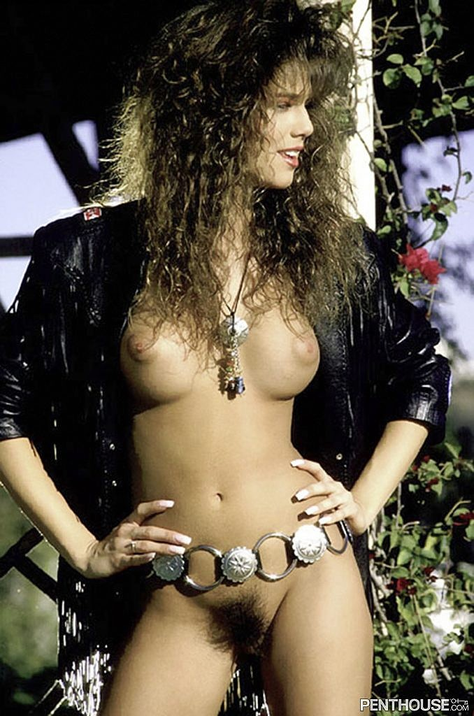 Kelly Jackson posing nude for the October 1990 issue of Penthouse