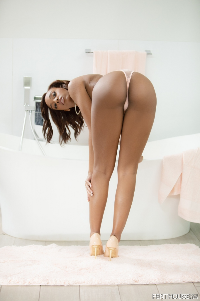 Lacey London nude in the bath in her March 20021 Penthouse Pet Of The Month photo spread 005