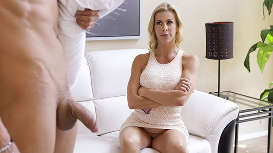Alexis Fawx (Let Mommy Help You / 08.08.2017)