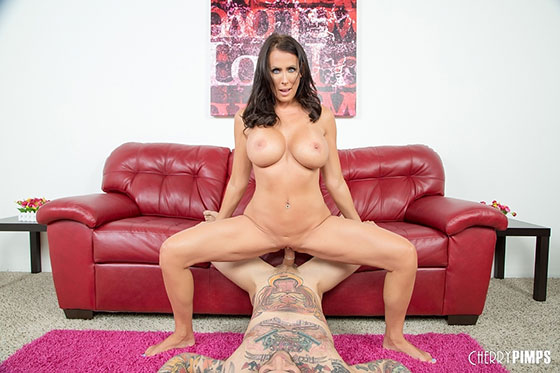 Reagan Foxx (Hot MILF Reagan Loves Cock / 08.01.2017)