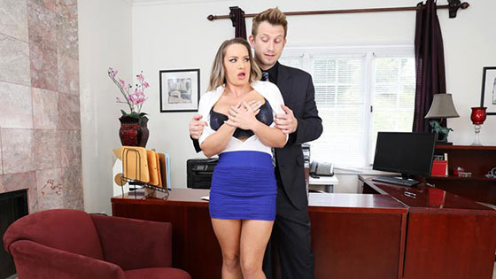 Cali Carter (Pervy Boss Blackmails Slutty Secretary / 04.12.2018)