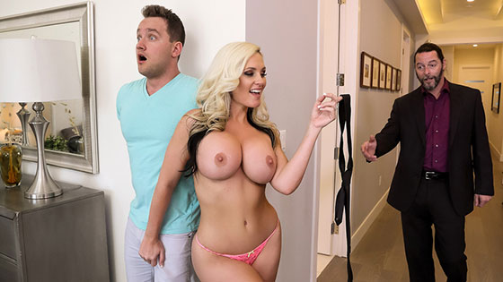 Alena Croft (Sneaky Mom 2 / 05.05.2018)