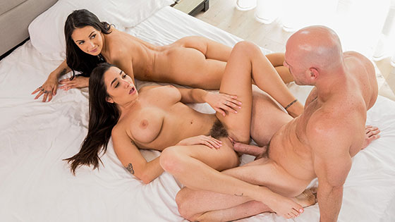 Our First Celebrity Hook-Up with Sofi Ryan, Karlee Grey