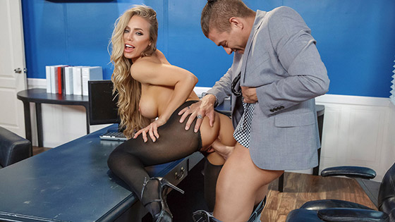 Summertime And The Livin' Is Sleazy with Nicole Aniston