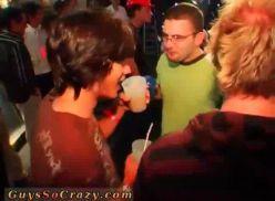 Festa GLS com suruba gay.