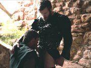 Porno gay inspirado em série medieval.
