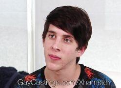 Gay lindinho gravando video porno.