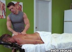 Gay gostoso fez sexo na massagem