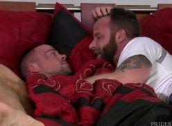 Coroa gay metendo a rola – porno gay