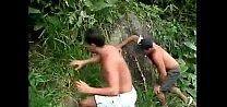Video de sexo gay amador meio do mato