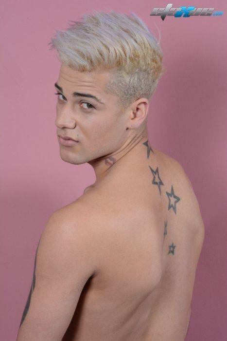 Fotos de novinho famoso pelado caiu na net