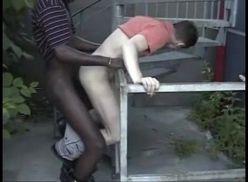 Negão enrabando gay na rua