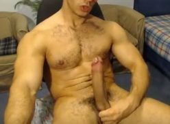 Homem gostoso se masturbando
