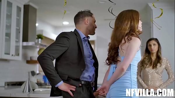 video relacionado Su cuñado siempre logra ponerla cachonda