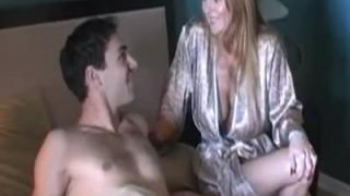 Sex met mijn tante, die grote borsten heeft