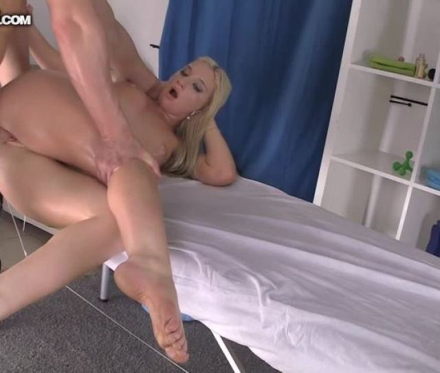 Cover 3 Super Hot Hd Porn With A Sassy Babe Hd Mp4